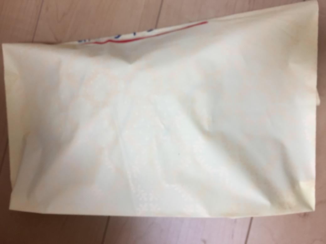 ビニール製のショッピング袋を使いメルカリ発送