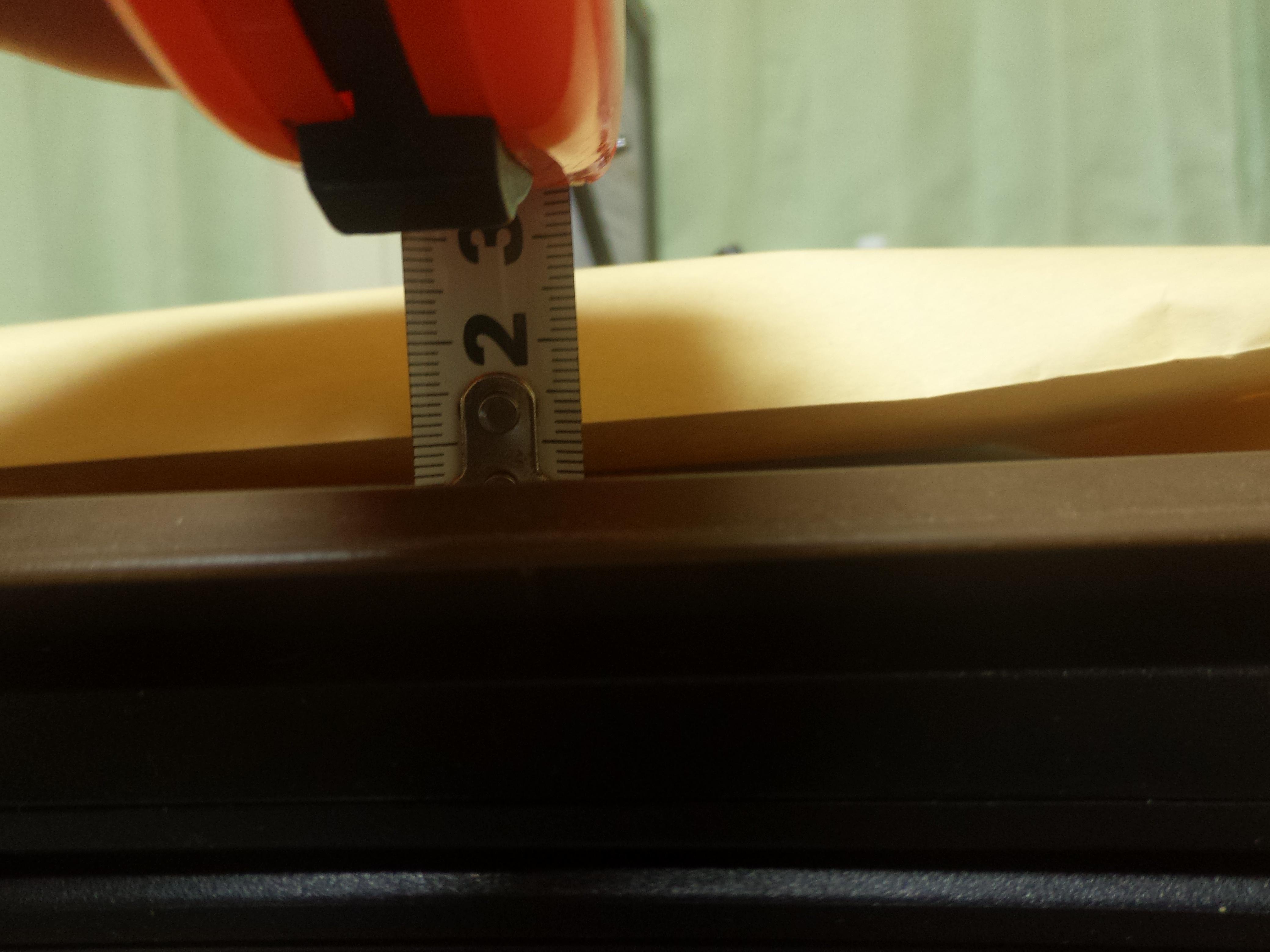 うちわの厚さを測る